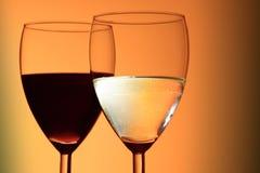 Vino blanco rojo y Fotografía de archivo
