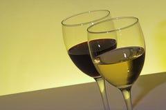 Vino blanco rojo y Foto de archivo