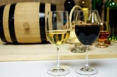 Vino blanco rojo y, brandy Fotografía de archivo libre de regalías