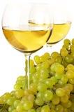 Vino blanco y uva Foto de archivo libre de regalías