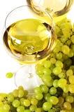 Vino blanco y uva Fotografía de archivo libre de regalías