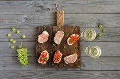 Vino con gli aperitivi per vino Immagine Stock