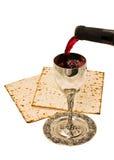 Vino di Shabbats nella tazza Fotografia Stock Libera da Diritti