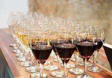 Vino e Champagne Glasses fotografia stock