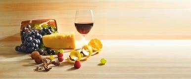 Vino e formaggio Immagini Stock
