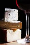 Vino e formaggio fresco immagine stock libera da diritti
