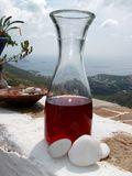 Vino griego rojo Fotos de archivo