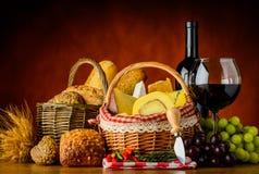 Vino, pane e formaggio Fotografie Stock Libere da Diritti