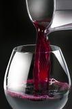 Vino pouring2 Immagine Stock