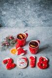 Vino reflexionado sobre caliente de la Navidad fotos de archivo libres de regalías