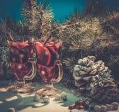 Vino reflexionado sobre en vida de la Navidad aún Fotos de archivo