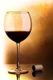 Vino rojo y corcho Fotografía de archivo