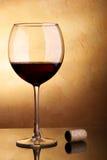 Vino rojo y corcho Fotografía de archivo libre de regalías