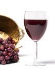 Vino rojo y uvas Imagen de archivo libre de regalías