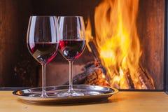 Vino rosso al camino Immagine Stock Libera da Diritti