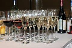 Vino rosso bianco e e champagne fotografia stock