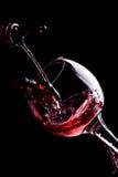Vino rosso che versa giù Immagine Stock Libera da Diritti
