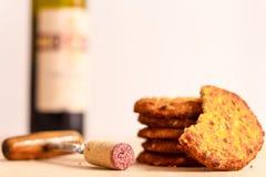 Vino rosso e biscotti Fotografie Stock Libere da Diritti