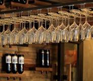 Vino rosso e calice invertito Immagini Stock