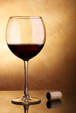 Vino rosso e sughero Fotografia Stock Libera da Diritti
