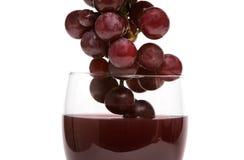 Vino rosso ed uva immagini stock libere da diritti