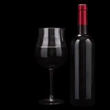 Vino rosso isolato sul nero Fotografia Stock