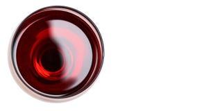 Vino rosso in vetro Isolato su priorità bassa bianca copi lo spazio, modello immagini stock