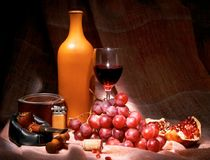 Vino, tabaco, uva, granate Imagenes de archivo