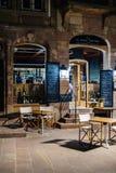 In vino veritas Weinbarrestaurant-Frankreich-Nacht Lizenzfreie Stockbilder