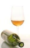 Vino y botella Imágenes de archivo libres de regalías