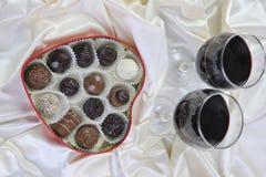 Vino y chocolate Fotografía de archivo libre de regalías
