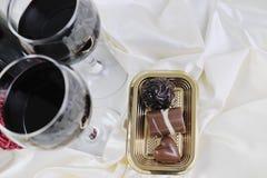 Vino y chocolate Imagen de archivo libre de regalías