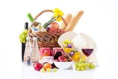 Vino y comida de la comida campestre, fecha de lujo Imágenes de archivo libres de regalías