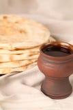 Vino y pan Imagen de archivo libre de regalías