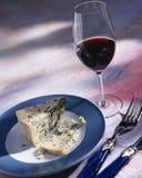 Vino y queso Foto de archivo libre de regalías