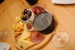 Vino y queso Fotografía de archivo libre de regalías