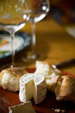 Vino y queso Foto de archivo