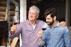 Vinproducenter på arbete Royaltyfri Foto