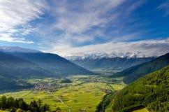Vinschgau (Valle Venosta) en primavera Fotos de archivo libres de regalías