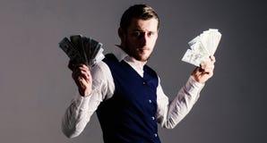 Vinst- och rikedombegrepp Man i waistcoat, affärsman, entreprenör arkivfoton