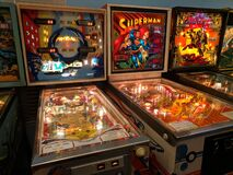 Free Vintage 70s & 80s Pinball Machines In Arcade Royalty Free Stock Photos - 186429668