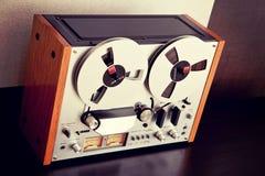 Vintage aberto do registrador da plataforma de fita do carretel do estéreo Fotografia de Stock