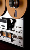 Vintage aberto do registrador da plataforma de fita do carretel do estéreo análogo imagens de stock