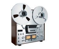 Vintage abierto del registrador del magnetófono del carrete del estéreo análogo aislado Imagen de archivo libre de regalías