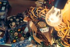 Vintage antiguo o decoración retra de los juguetes de la Navidad Fotografía de archivo