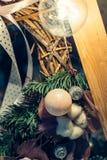 Vintage antiguo o decoración retra de los juguetes de la Navidad Imagen de archivo