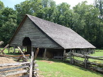 Vintage barn in smoky mountains Royalty Free Stock Photography