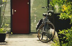 Free Vintage Bicycle In Amsterdam. Retro Bike In Netherlands Royalty Free Stock Photos - 122616688