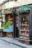 Vintage Cafe Le Poulbot op Montmartre, de Frank van Parijs Stock Fotografie