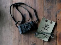 Vintage camera with glasses Royalty Free Stock Photos